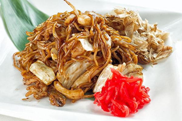 Yakisoba海鮮炒麵(有海鮮、雞肉、豬肉、牛肉多種選擇)。(張學慧/大紀元)