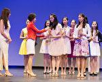 """第六届""""全世界中国古典舞大赛""""于10月12日在纽约曼哈顿翠柏卡表演艺术中心(Tribeca Performing Arts Center)落下帷幕。Eden Zhu荣获第六届中国古典舞大赛少年女子组金奖。(戴兵/大纪元)"""