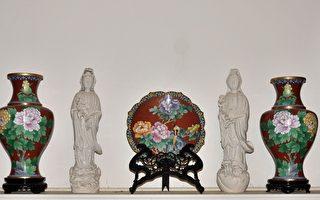景泰蓝花瓶、盘子、观音、仿古木刻(良克霖/大纪元)