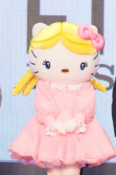 Hello Kitty也来参加东京国际影展。(Ken Ishii/Getty Images)