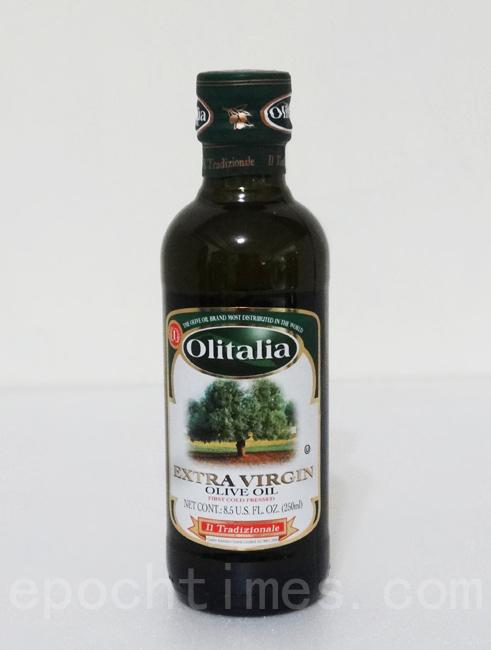 橄榄油是调味料的灵魂,可随个人喜好增减。(林秀霞 / 大纪元)