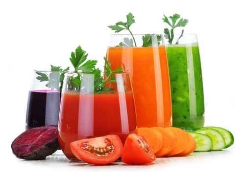 一周至少喝三次蔬菜或水果汁,能降低得老年失智症的风险。(fotolia)