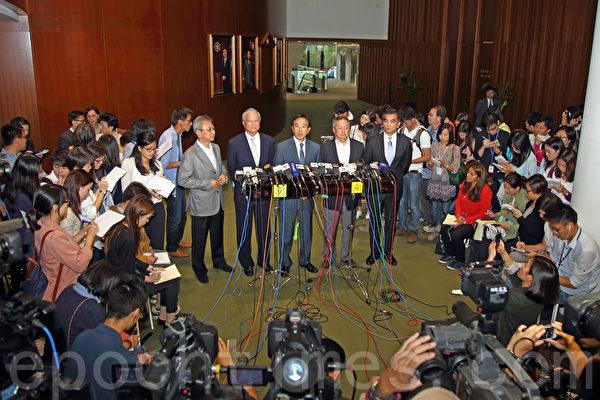 香港自由党党魁田北俊因促梁振英辞职,10月29日遭中共全国政协撤销其政协委员资格,他随即表示辞去党魁一职,愿以后以个人身份为港人发声。(潘在殊/大纪元)
