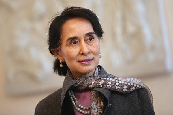 缅甸总统罕见会晤昂山素季 谈政治改革
