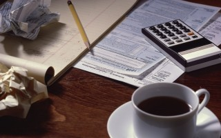 喝咖啡 (Clipart.com)