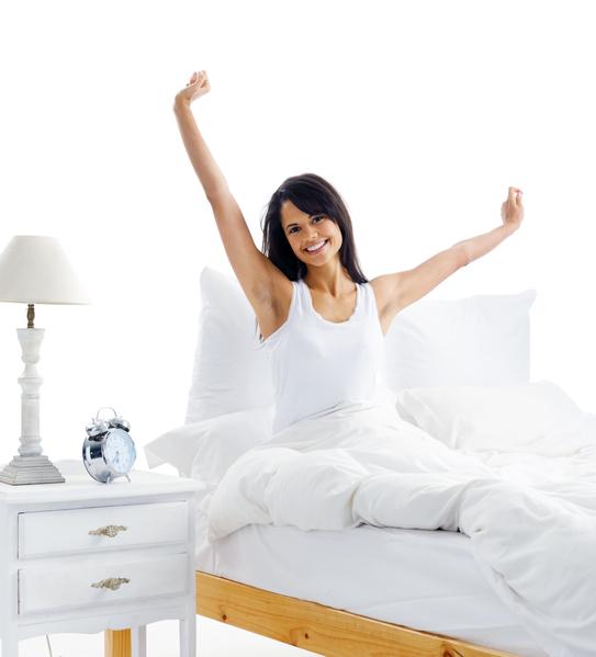早晨醒來,不要急於起身,躺2分鐘再起床。(Fotolia)