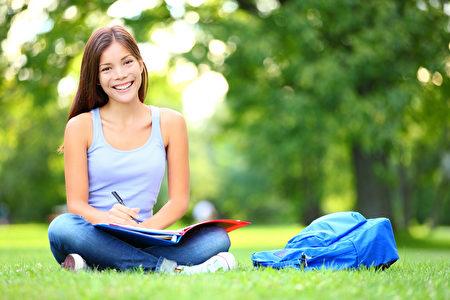 閱讀是反省自己看見世界的重要方式。要想了解自己、洞悉世界,就必須了解閱讀的層次,這樣才能進行有意義的閱讀。(fotolia)