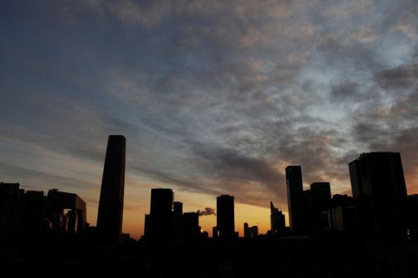 陆房贷利率9月第九次上涨,打击刚需用户。(AFP/Mark RALSTON)