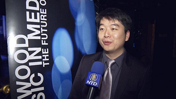 陈东获奖后接受新唐人电视台采访。(张文刚/大纪元)