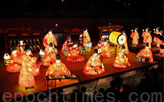 组图:首尔灯节庆典再现千年古都文明