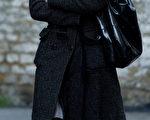 英国各大媒体于2014年11月9日报导一份由英国国防部外泄的文件内容,表示许多英国官员在出国前皆被警告,必须严防中共和俄罗斯设下的美人计圈套。本图为英国在2010年查到的俄罗斯女间谍查图礼薇特(Katia Zatuliveter)。(LEON NEAL/AFP)