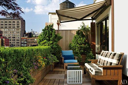在紐約,附帶可種植花草的露天陽台的公寓房很受歡迎,但許多居民會將陽台加蓋玻璃窗罩,成為居住面積的一部分。(Fotolia)
