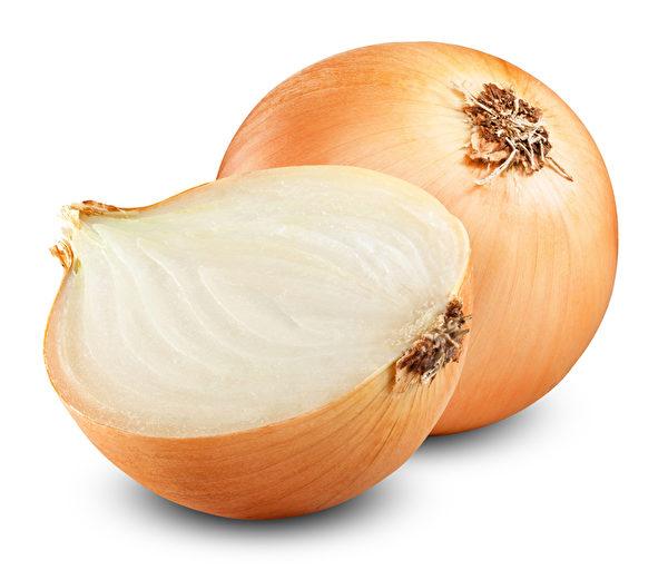 研究显示,经常吃洋葱的人,胃癌发病率比少吃或不吃洋葱的人要少25%。(Fotolia)