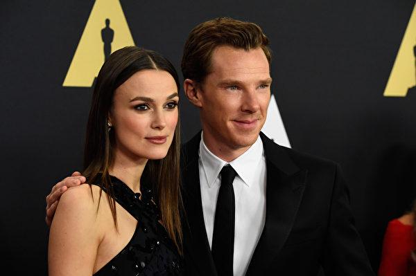 《模仿遊戲》男女主角本尼迪克特·康伯巴奇和凱拉·奈特莉。(Frazer Harrison/Getty Images)