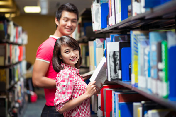 美国学校对学生要求正规严谨,学生不是敷衍就可以过关的。(fotolia)