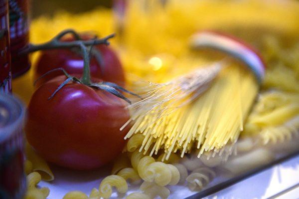 洛佩兹现在常吃番茄口味的蔬菜意面。(MARTIN BUREAU/AFP/Getty Images)