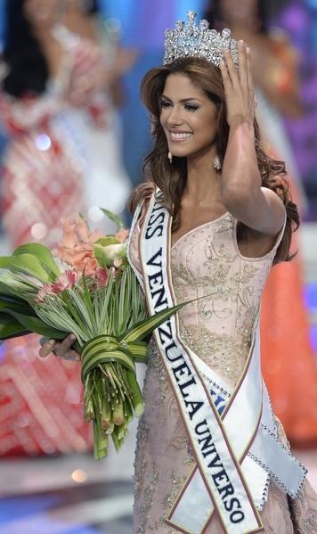 希門妮斯(Mariana Jimenez)當選2014年委內瑞拉小姐。(FEDERICO PARRA/AFP)
