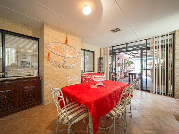在Inglewood交界,價格合宜、高質感的明星學區房。(REMAX TORRENS 提供)
