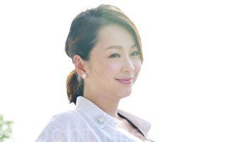 女星六月(蔡君茹)流露出孕妇的自信美。(黄宗茂/大纪元)