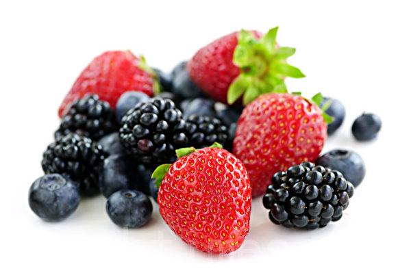 浆果富含抗癌的植物营养素,叫做花青素(anthocyanins),而黑树莓的含量特别高。(fotolia)