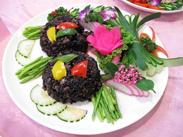 黑糯米(即紫米、黑米),在中国古代贵为贡品,民间向来珍视其为营养圣品。(庄宜真/大纪元)