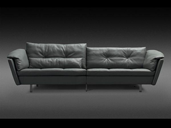 不对称设计符合不同身高需求,沙发适中的软硬度,坐上去让身心都能真正休憩。(SOFLEX系列)(图:舒富乐提供)