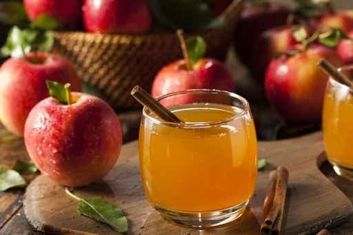 有些胃部不適或消化不良引起的腹部疼痛,是由於胃酸缺乏所致,這時喝些蘋果醋就特別有效。(fotolia)