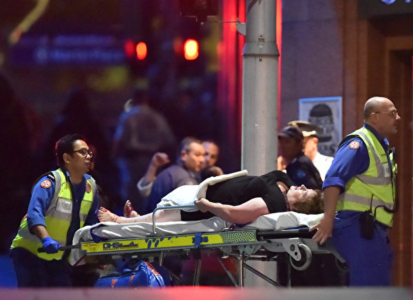 现场所有伤员,已经被送往St Vincent's医院和Royal Prince Alfred医院。 (AFP PHOTO/Peter PARKS)