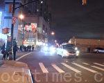 在大学点大道和罗斯福大道(Roosevelt Ave)交汇处的十字路口,行人和车辆共享15秒路权,造成安全隐患。(陈晓天/大纪元)