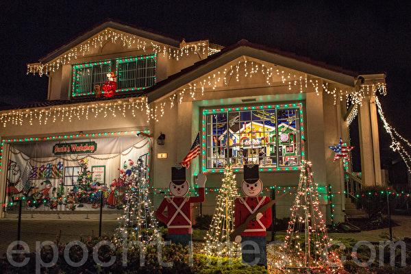 在南旧金山街区的圣诞灯饰。(李圆明/大纪元)