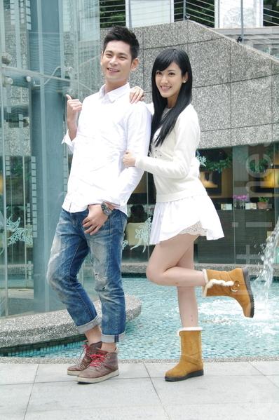 台视《雨后骄阳》于2014年12月18日在台北办理媒体见面会。图左起为杨子仪、Junior(韩宜邦)。(黄宗茂/大纪元)