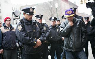 纽约华裔警官:警民应互相理解
