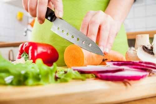 剩余食材丢掉太可惜 发挥创意让菜色更丰富