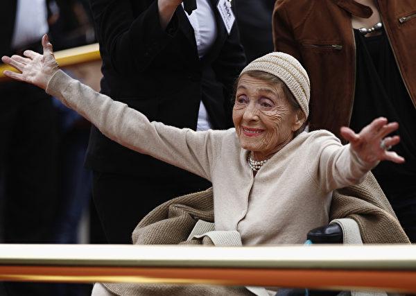 2011年9月5日,路易丝‧赖纳出席柏林星光大道的授星仪式。(Andreas Rentz/Getty Images)