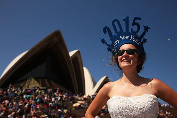 悉尼市长表示,迎接新年的煙花庆祝活动将吸引超过160万的观众,有史以来规模最大。(Brendon Thorne/Getty Images)
