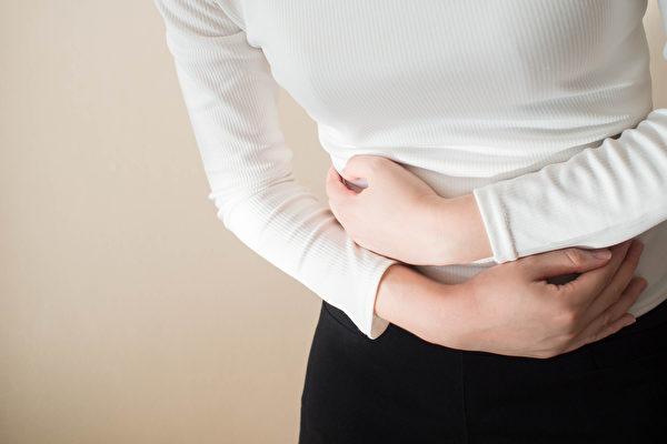 腸胃脹氣怎麼辦?哪些食物可以消脹氣、緩解腸胃不適?(Shutterstock)