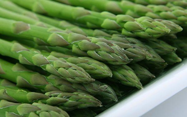 緩解腸胃脹氣食物之五:蘆筍。 (fotolia)