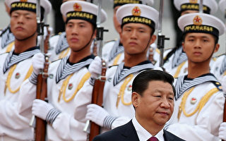 中共高級將領日前進行了大面積的調整,涉及中共七大軍區約30位正、副大軍區級將領,調整的力度是近幾十年來所沒有的。據陸媒報導,其中新任北京軍區參謀長史魯澤是本次調整中的「黑馬」。 (Photo by Feng Li/Getty Images)