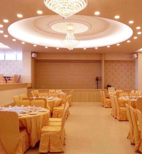 在豪華的中、西式餐廳用餐,心曠神怡。(圖:老K舒眠文化館提供)