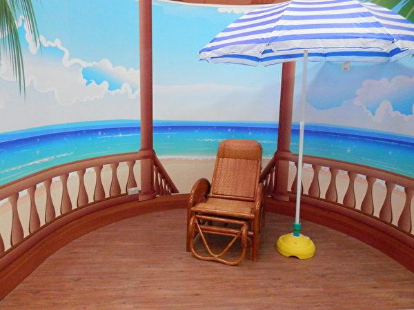 拍張照吧!咦~你是去了哪個海邊?趣味拍照區讓你留下美好的回憶。(圖:老K舒眠文化館提供)