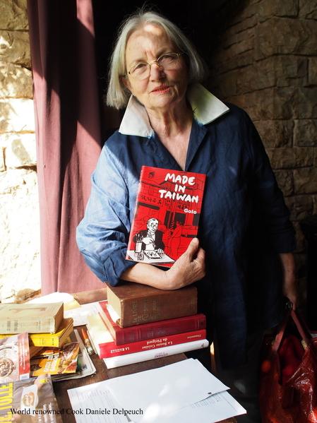 信鸽书店是台湾唯一的法文书店,由洪丽芬的友人施兰芳教授创办,对台湾、法国之间的文化交流贡献良多。施教授过世后由洪丽芬接任书店负责人,继续台法双边交流。(图片来源:Sophie Hong提供)