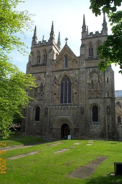 英國約克郡塞爾比小鎮Selby Abbey教堂外景。該教堂始建於11世紀。(維基百科公共領域)
