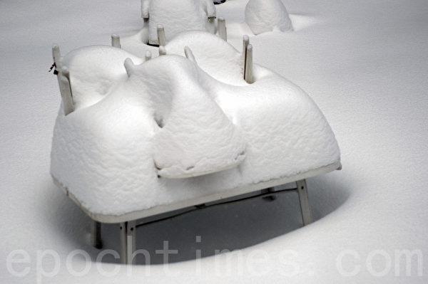 2015年1月波士頓暴風雪一景。(徐明/大紀元)
