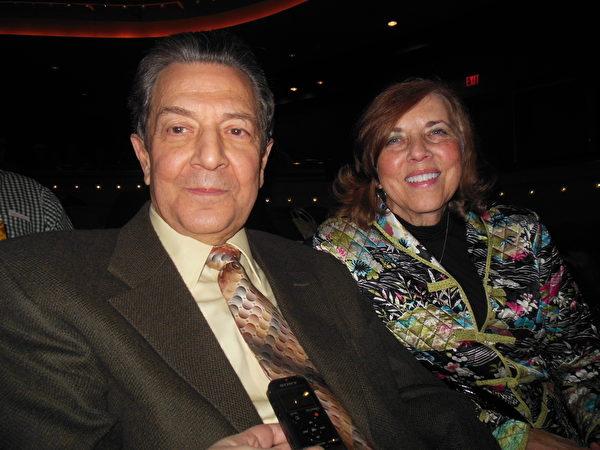 Tony Molisse先生和Wilma Molisse太太1月27日晚上前来观看神韵国际艺术团在代顿市疏斯特艺术中心的演出。(李辰/大纪元)