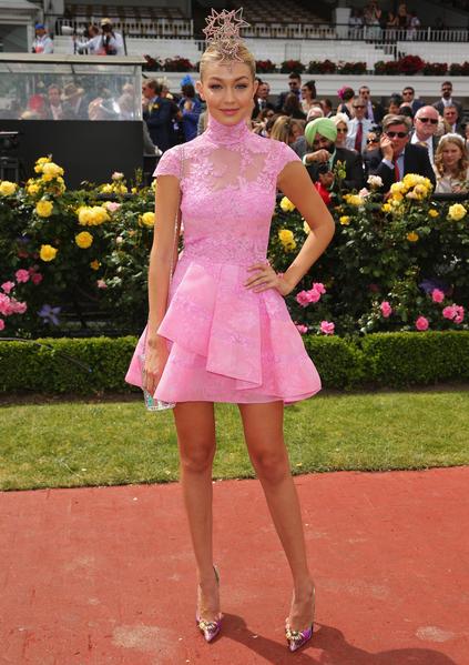 2014年11月4日,澳大利亞墨爾本,出席墨爾本杯的Gigi Hadid。(Scott Barbour/Getty Images)