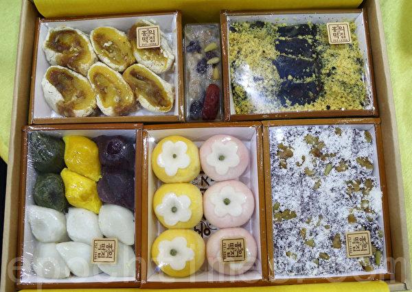 韩国人过年必吃的传统年糕。(全宇/大纪元)