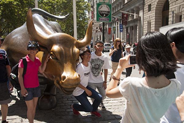 中国人境外游消费惊人 纽约大陆游客激增