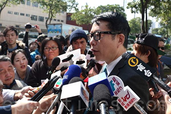 亚视前途未卜,执行董事叶家宝则呼吁港人每人出资一万元救亡,但未被看好。(蔡雯文/大纪元)