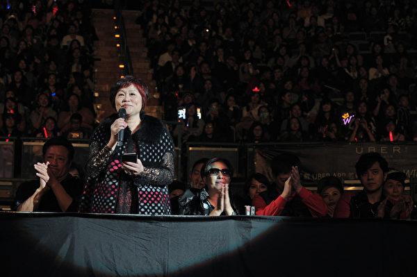 潘媽媽:謝謝大家一直給瑋柏支持、加油、鼓勵……。(環球音樂提供)
