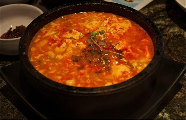 Madang 621的海鮮豆腐煲。(徐曼沅/大紀元)